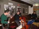 Dennis Meyerding, vibraphon Saman Vossoughi, g Stefan Telser, b